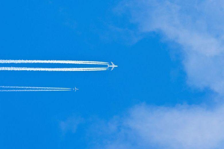 airplane-air avia  780 × 520