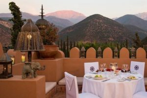 morocco_dinner-on-roof-terrace morocco  780 × 520
